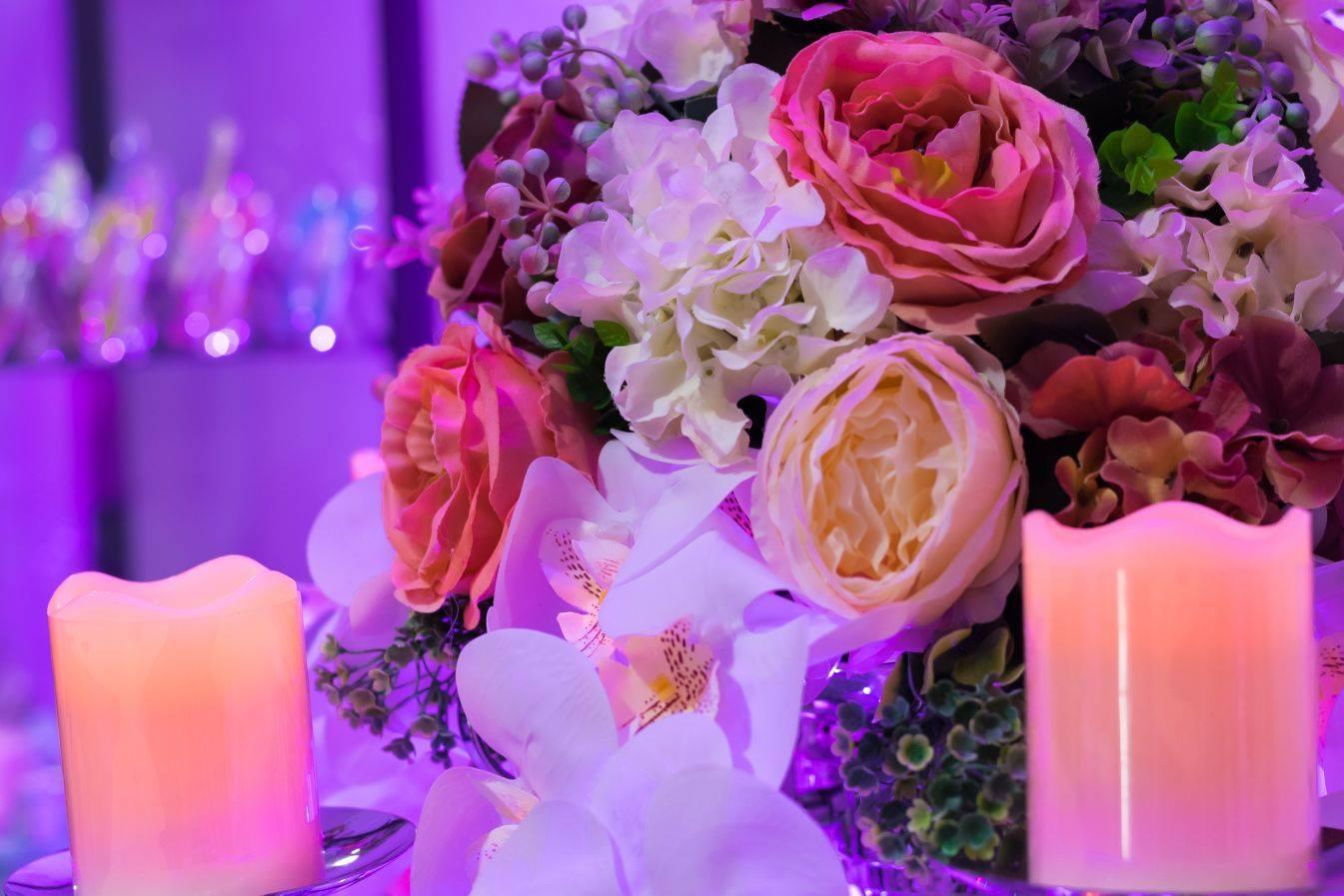 Sfesnice cu aranjament floral