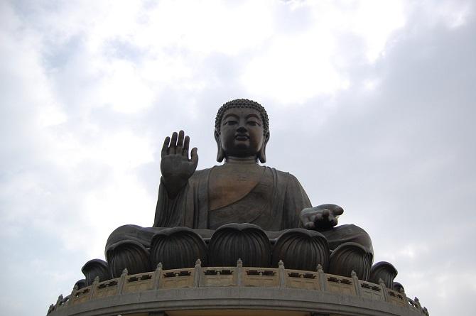 Chinese Buddhist art: giant Buddha statue, Tian Tan Buddha