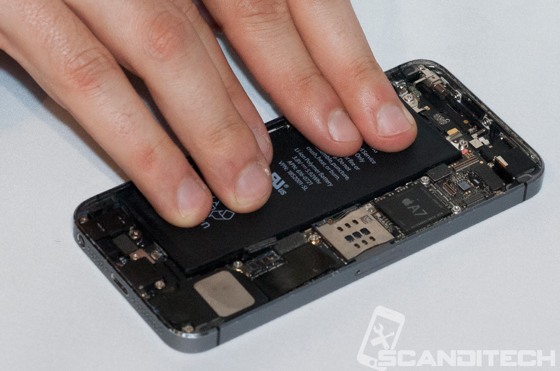 iPhone 5S/5C battery replacement guide - installing the battery with adhesive