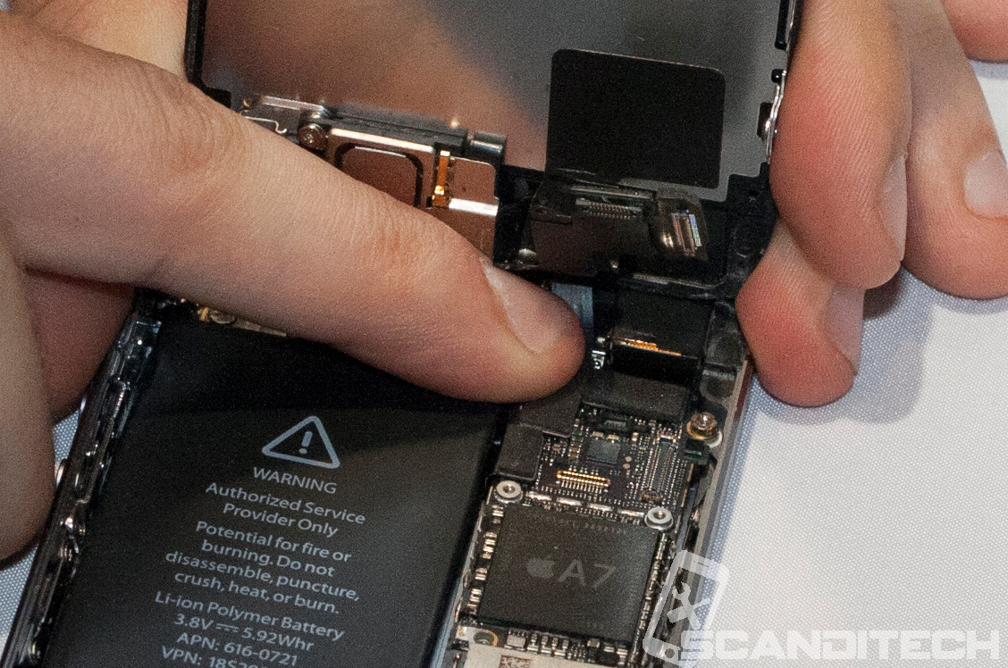 iPhone 5S/5C battery replacement guide - reconnecting Touch cable