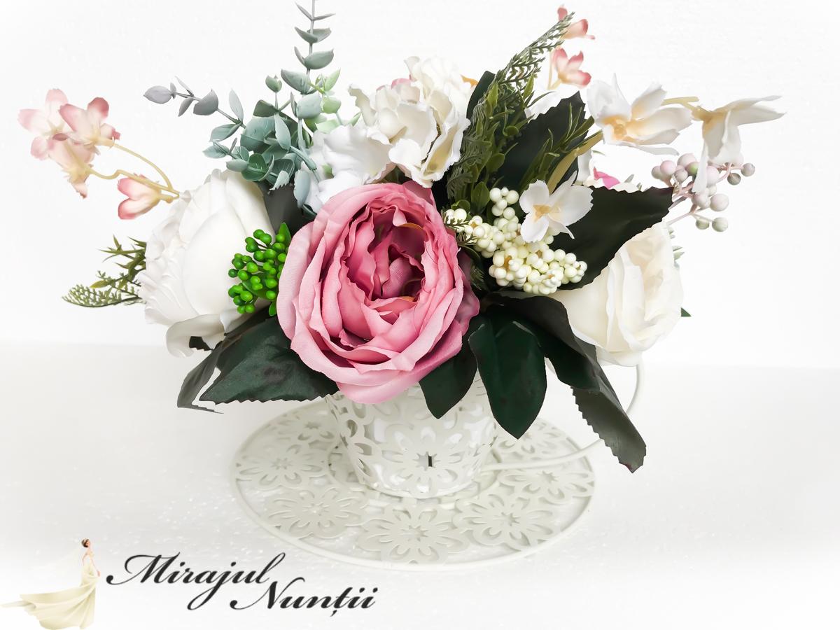 aranjamente florale in ceasca cod 2004