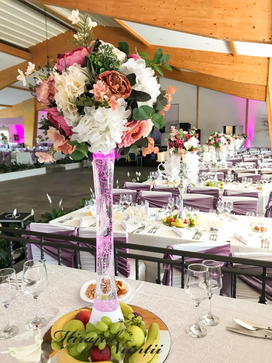 Vaze Pictate Cu Aranjamente Florale Mirajul Nuntii