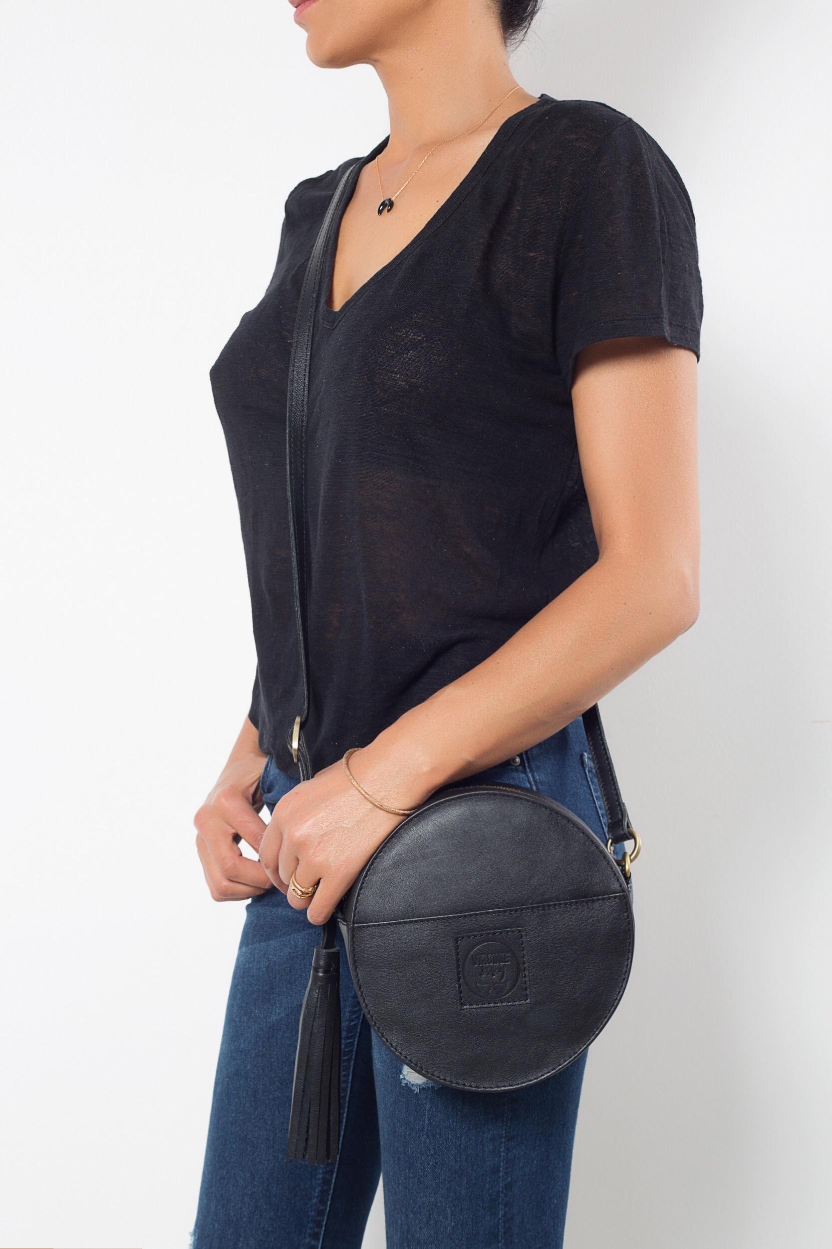 Circle black leather bag Virginie Darling