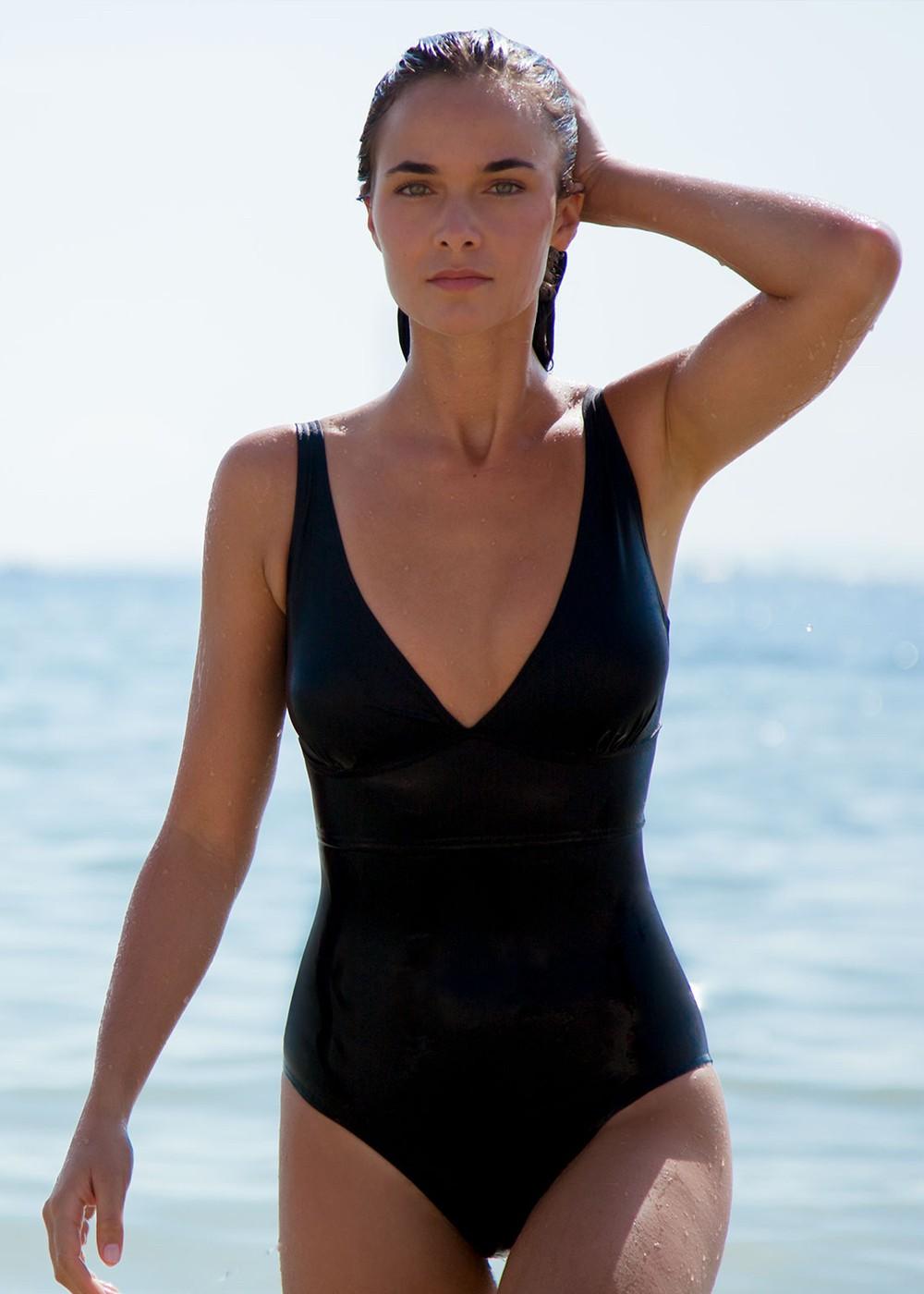 black swimsuit statice
