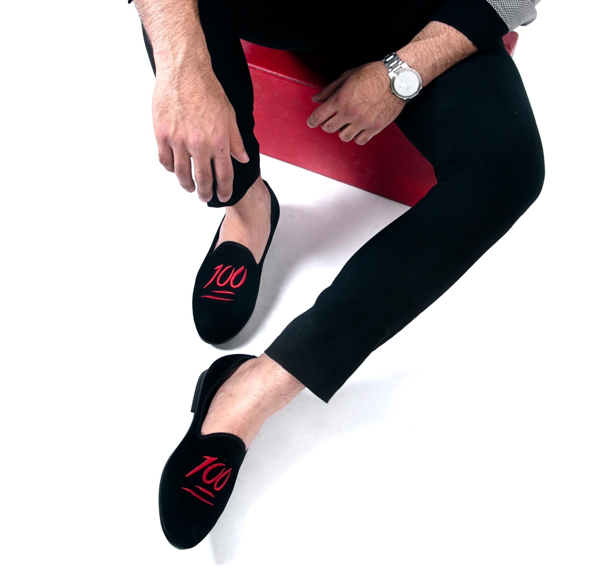 dara shoes milan velvet slippers in 100 emoji