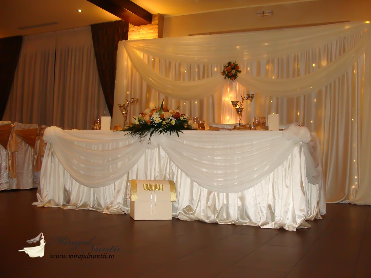 Decor masa de prezidiu nunta