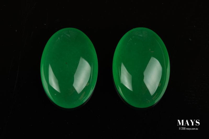 A pair of dyed chalcedony imitating jadeite jade