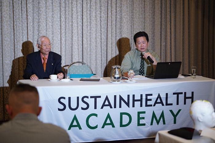 Dr Zhu and Dr Lu at seminar