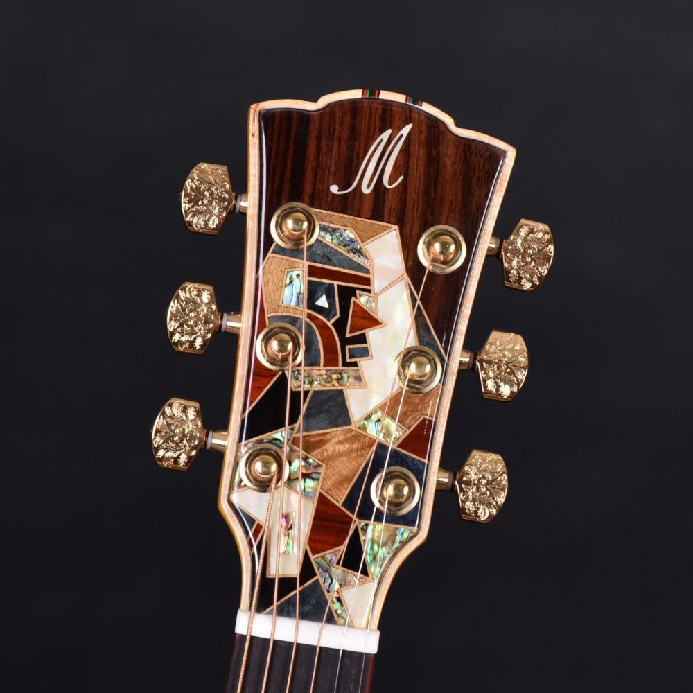 Détail de tête de guitare acoustique