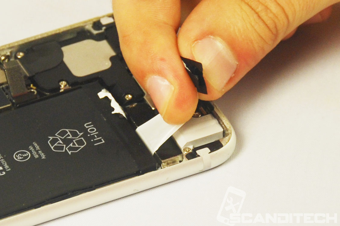 iPhone 6/6+ battery replacement guide - Removing adhesives - 6