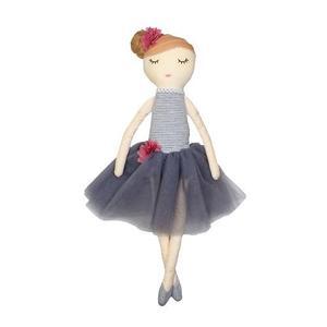 Neve Doll