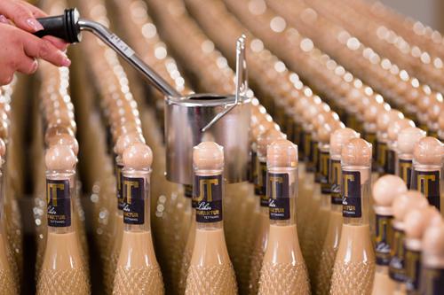 Versiegeln der Likör-Flaschen Handschrumpfgerät