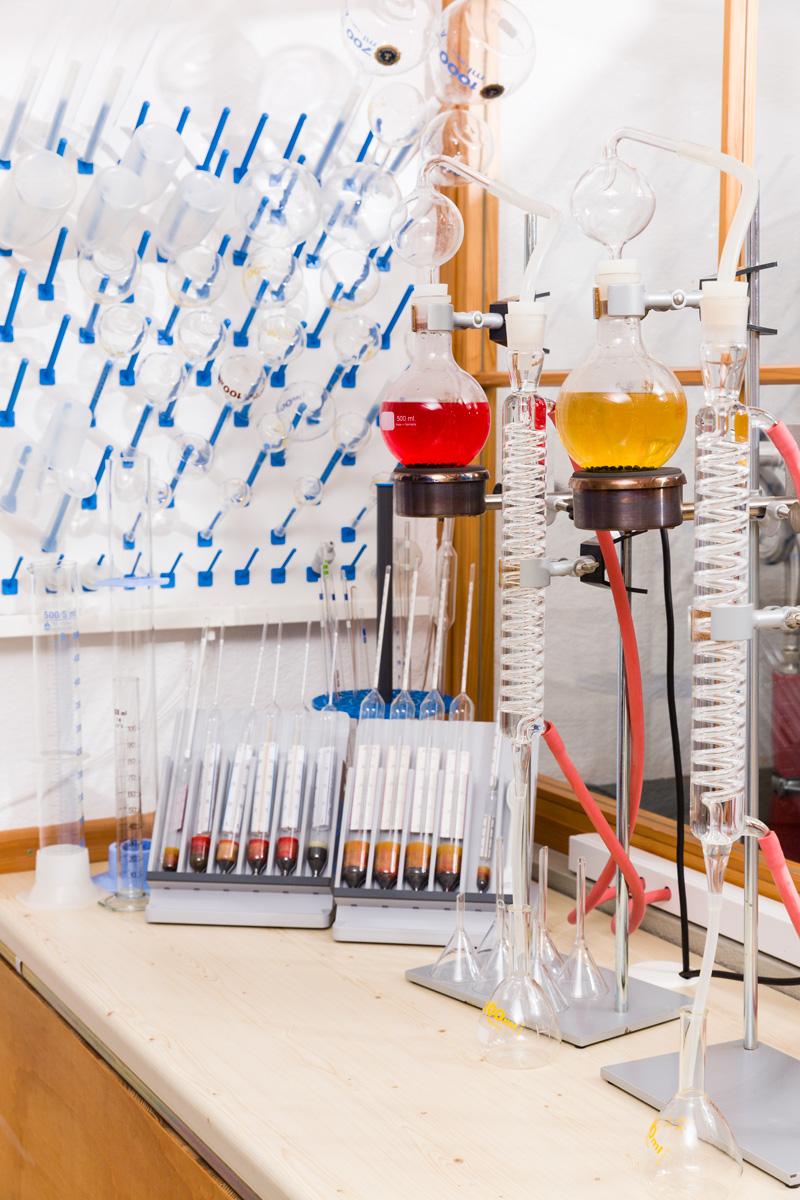 Probedestillation Likör-Labor Alkoholspindel Labor-Destille Alkoholmessung bei Likören