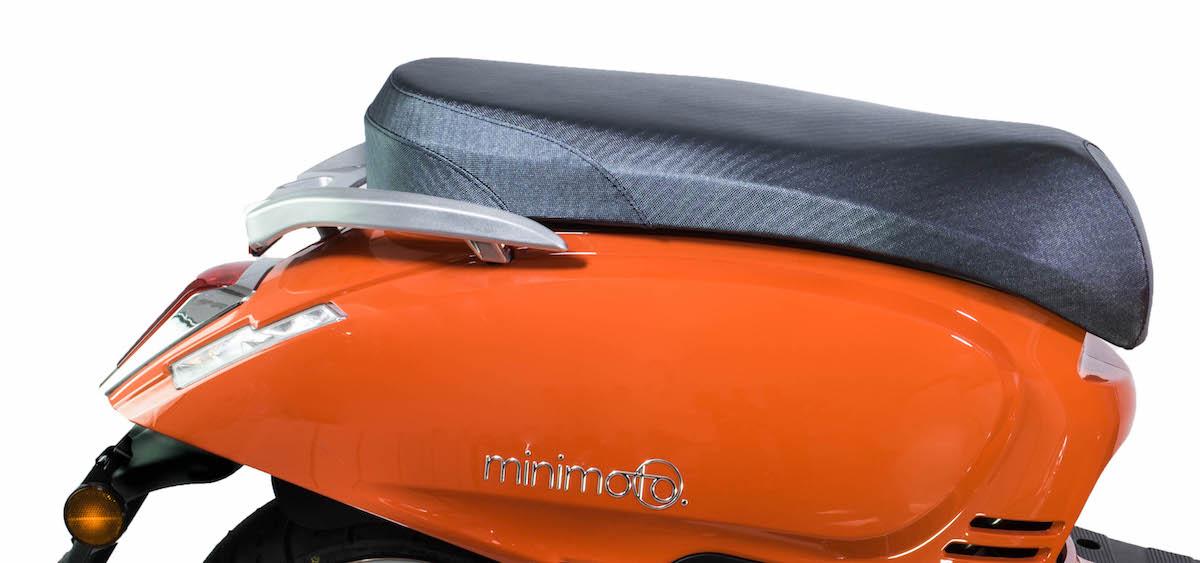 minimoto. LUXE - Motorroller mit 50ccm - Detailansicht Sitz