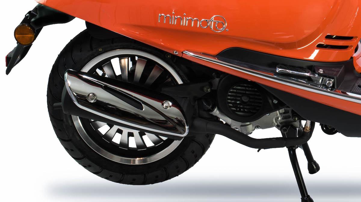 minimoto. LUXE - Motorroller mit 50ccm - Detailansicht Motor