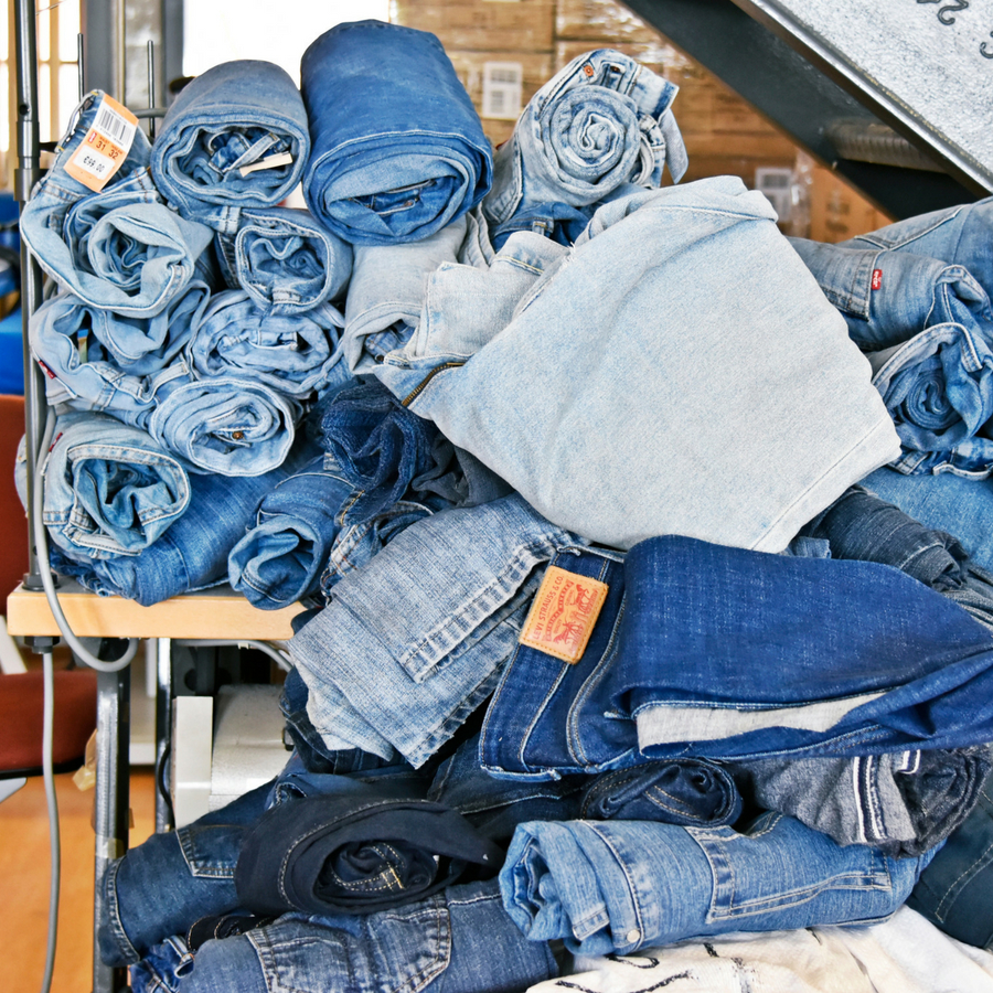 Weiterverarbeitung von Jeans