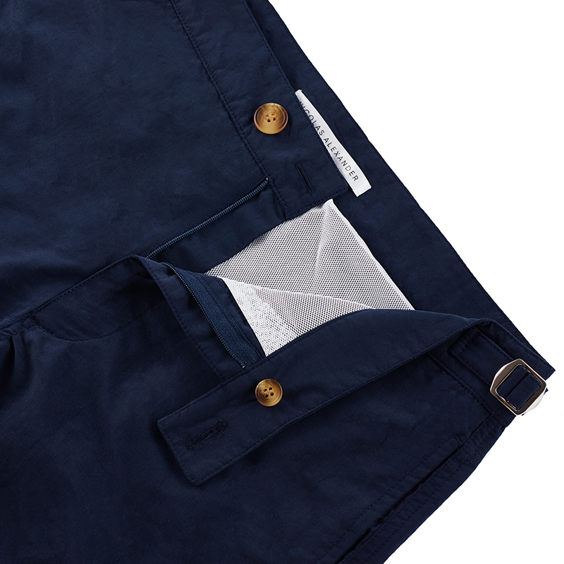 Tailored mid-length men's swim shorts