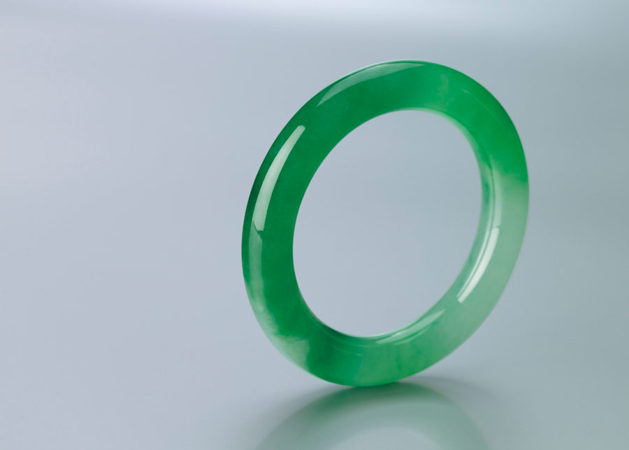 HIGHLY TRANSLUCENT FINE JADEITE BANGLE
