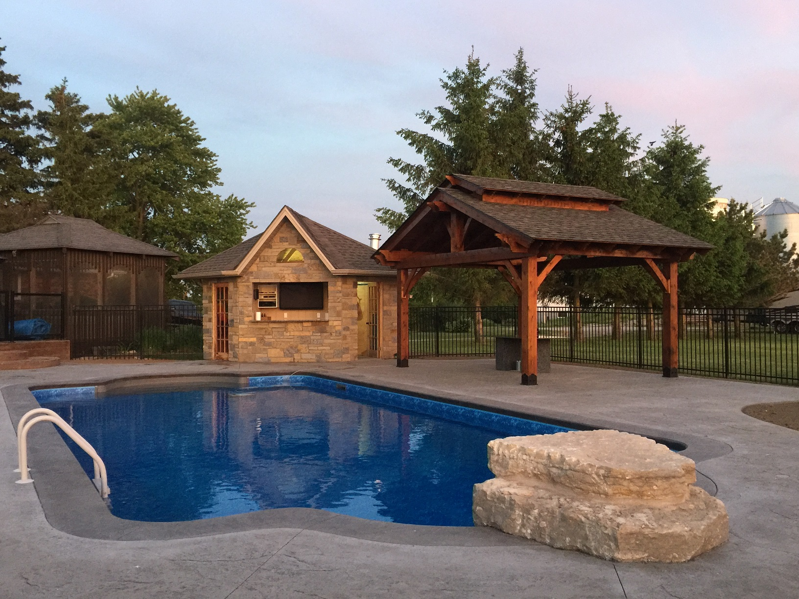 Swimming Pool Design London Ontario