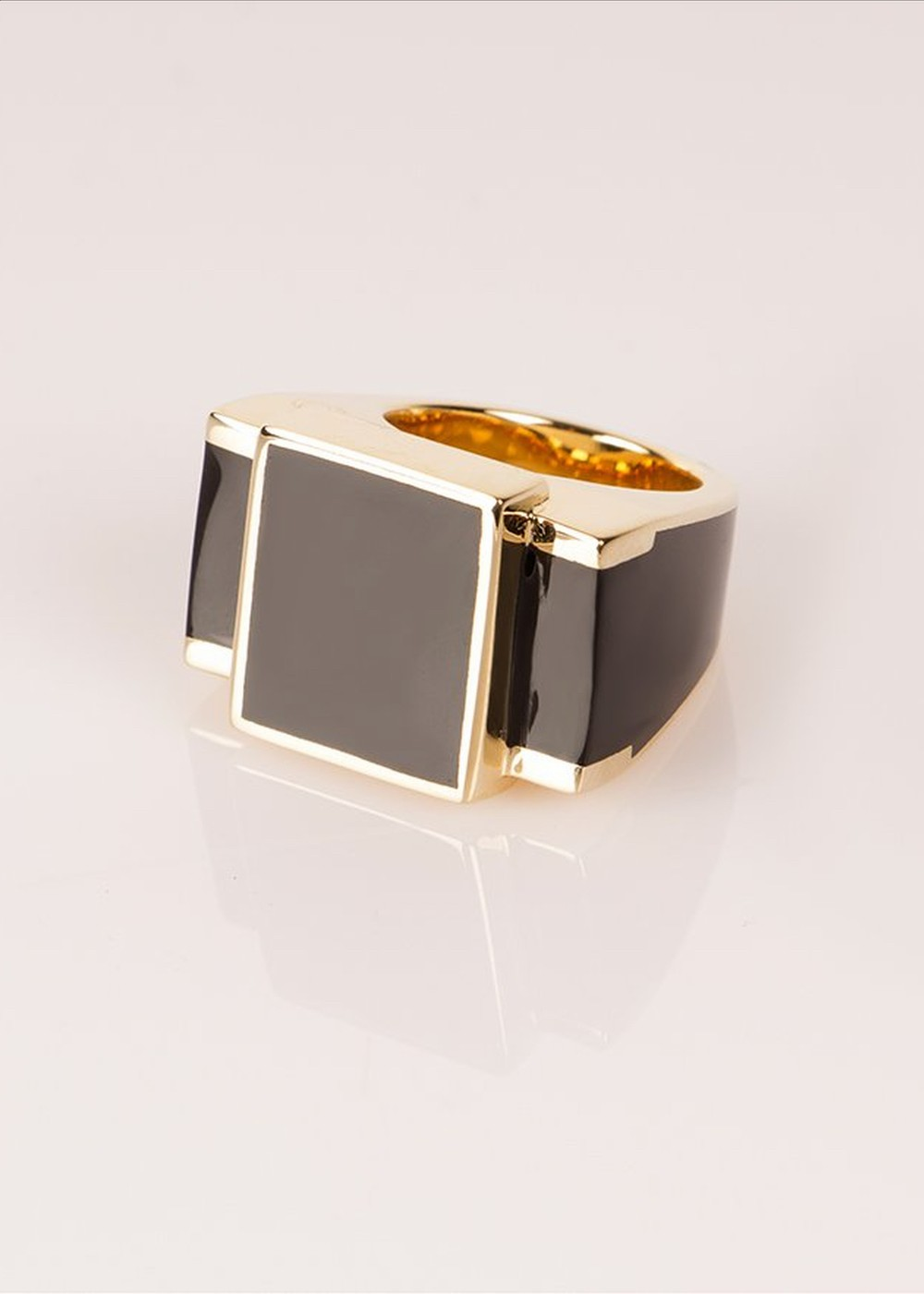 black and gold ring, French design
