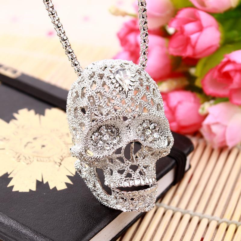 skull pendant for women