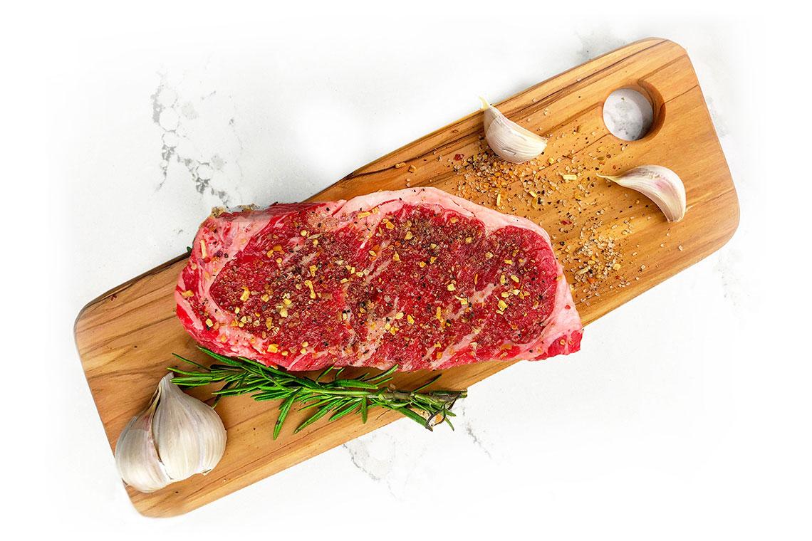 steak with seasoning