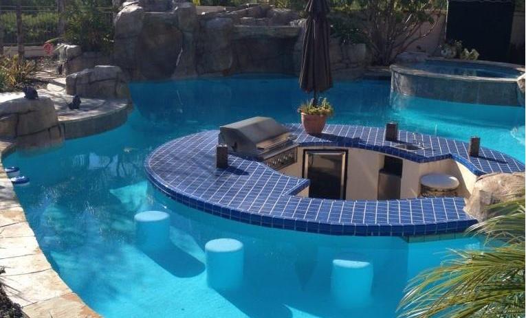 Dura-Rubber liquid rubber in pool blue