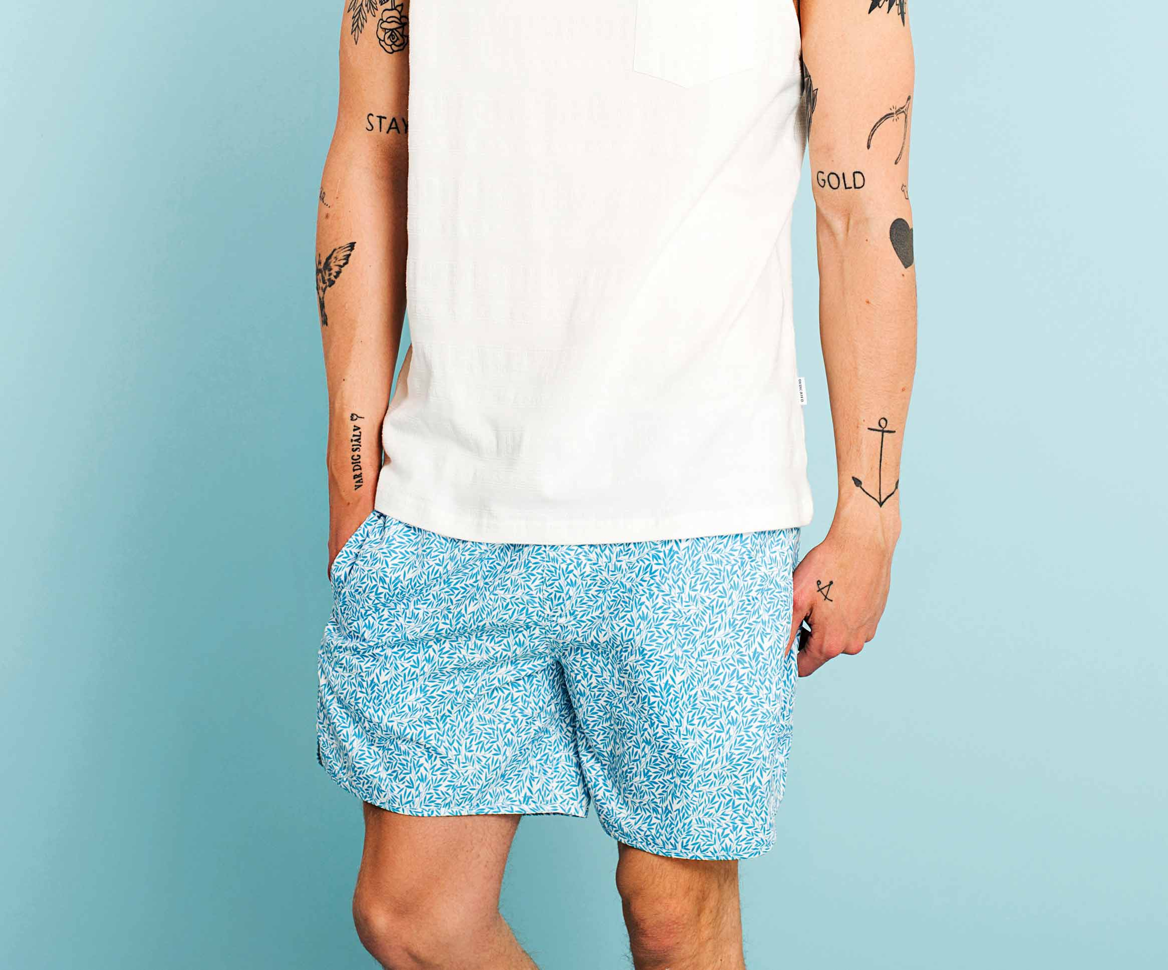 Fathers day selection dedicated 100% recycled polyester swim Short with small leaves in blue