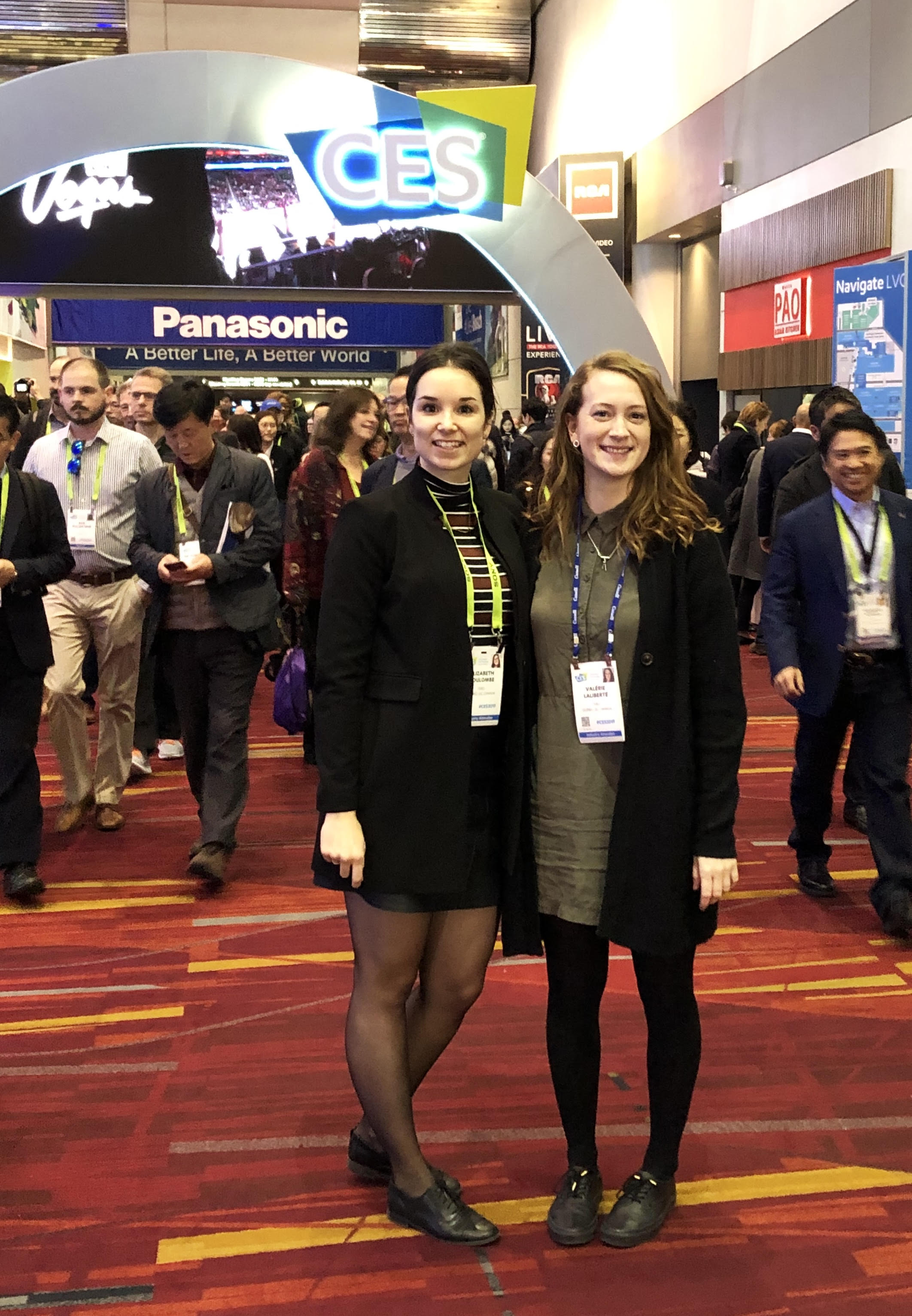 Elizabeth et Valérie au Consumer Electronic Show à Las Vegas