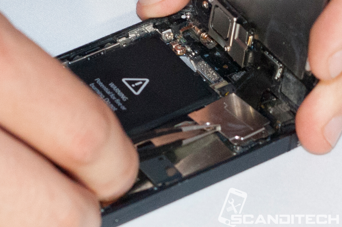 iPhone 5 battery replacement guide - Reinstalling the metal covers.