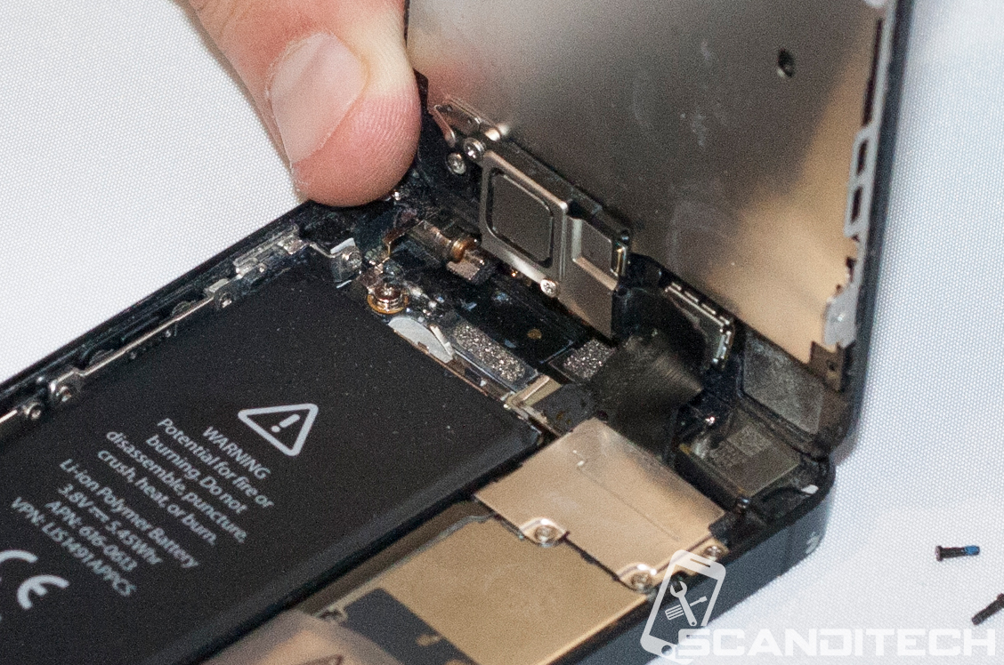 iPhone 5 battery replacement guide - Lifting the front screen assembly.
