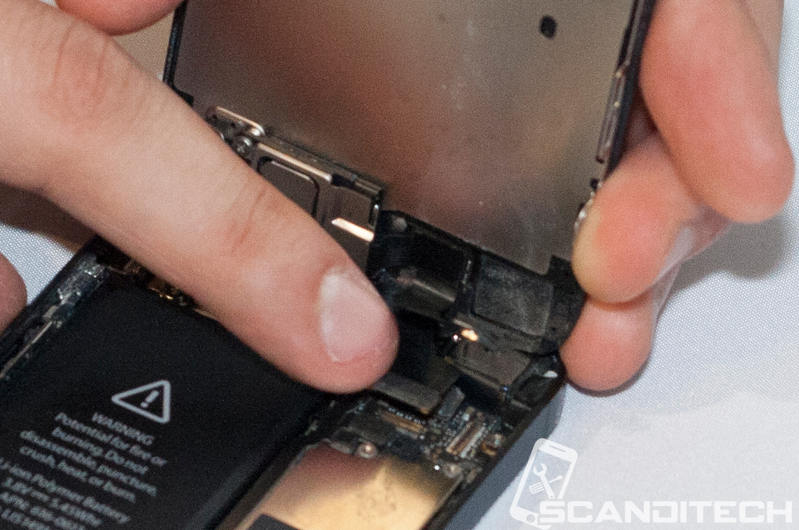 iPhone 5 battery replacement guide - Reinstalling the phone screen assembly.