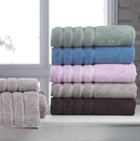Custom Bathroom Textiles That Accent Your Bathroom Decor