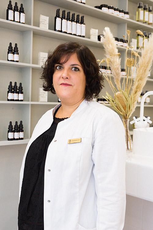 Yaelle Cohen -  Dr en pharmacie au laboratoire cosmétique Laboté