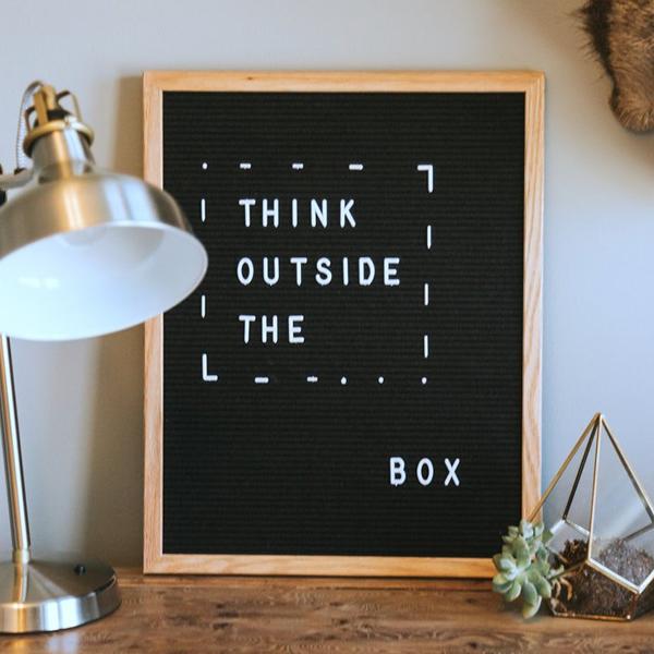 zwart letterbord